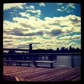 Williamsburg Bridge, benches